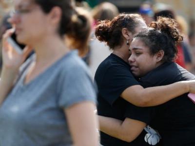 امریکی شہر سانتافے کے ایک ہائی اسکول میں طالب العلم نے شروع کی فائرنگ، نو طلبہ سمیت 10 ہلاک