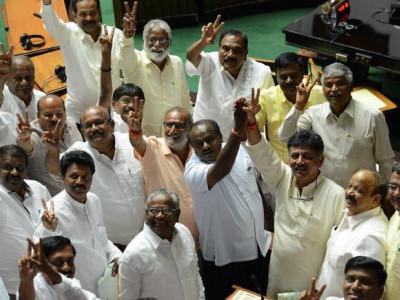 کرناٹک انتخابات:کانگریس کے ان لیڈروں نے بگاڑ دیا بی جے پی کا کھیل
