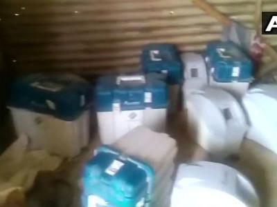 وجیاپور میں مزدور کے شیڈ سے ملے 8وی وی پیاٹ کے ڈبے۔ ووٹنگ میں ہیرا پھیری کا شبہ