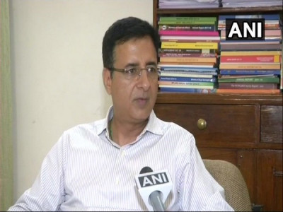 Kumaraswamy wants long-term relations with Congress: Surjewala