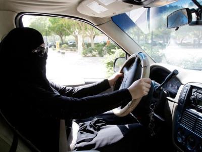 سعودی عرب : پانچ شہروں میں خواتین کے لیے ڈرائیونگ اسکولز قائم