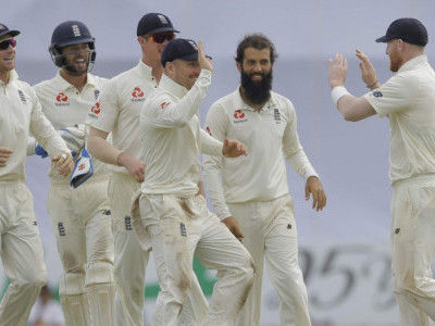 Moeen Ali picks four wickets as England thrash Sri Lanka in Herath's farewell Test