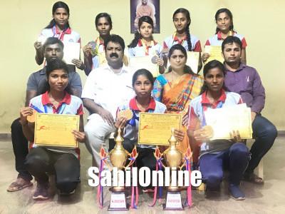 کرناٹکا یونیورسٹی دھارواڑ اتھلیٹک مقابلے میں مرڈیشور بینا وئیدیا ڈگری کالج کی طالبات رنر اپ