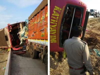 Six tourists from Mumbai die in bus-lorry collision near Hubli