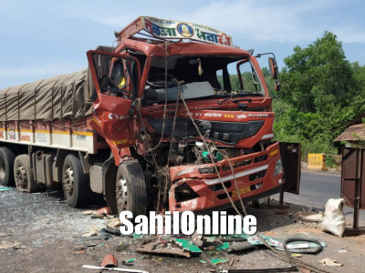 6 hurt in Bus-Truck collision on Byndoor NH66