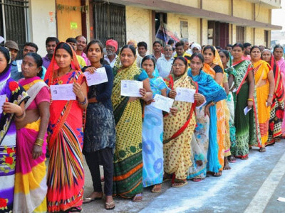 چھٹیس گڑھ : زبردست سیکورٹی کے درمیان دوسرے اورآخری مرحلے میں 72 فیصد سے زائد ووٹنگ