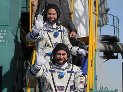 روس میں خلائی راکٹ کی ہنگامی لینڈنگ، خلاباز معجزانہ طور پر محفوظ