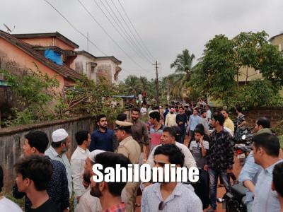 بھٹکل میں  زائد منافع  کالالچ دے کر  100کروڑ سے زائد رقم کی دھوکہ دہی کا الزام : کمپنی مالکان کے گھروں کا گھیراؤ اور احتجاج