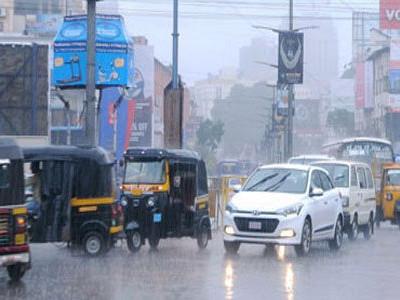 ساحلی علاقے میں موسلادھار بارش۔ آسمانی بجلیوں سے نقصانات