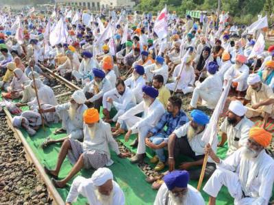 کسانوں نے شروع کی ریلوے روکو تحریک