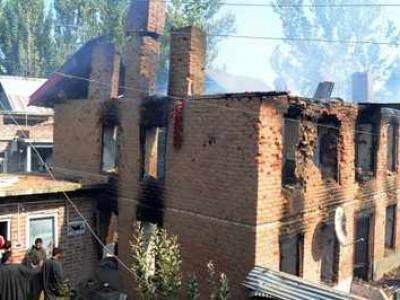 کشمیر میں مسلح تصادم اور پراسرار دھماکہ۔7شہری ہلاک تقریباً 4 درجن زخمی