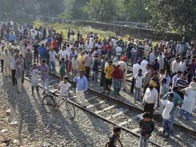 امرتسر ٹرین حادثہ 'مقام سے احتجاجیوں کو ہٹادیا گیا
