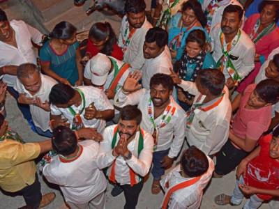 ضمنی انتخابات کے لئے انتخابی مہم زوروں پر