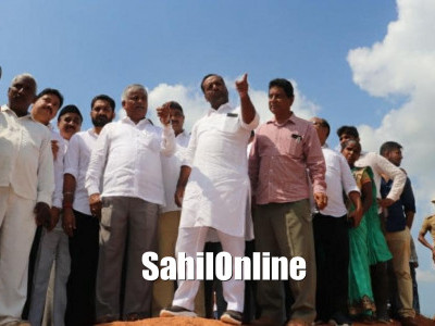 Mangaluru: Minor Irrigation Minister C S Puttaraju and District In-Charge Minister U T Khader inspect the spot for the construction of a barrage-cum-bridge across River Nethravathi