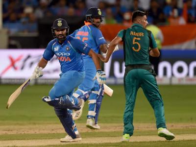 ایشیا کپ میں ہندوستان نے پاکستان کو 8 وکٹوں  سے شکست دے دی