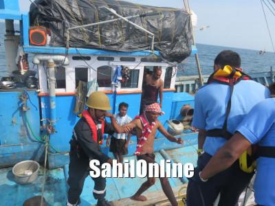 کاروار میں ماہی گیری کے دوران سمندر میں ڈوب گئی کشتی؛ ساحلی محافظ دستے نے بچائی 17 ماہی گیروں کی جان