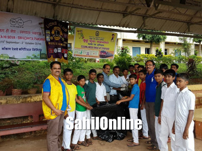 Cleanliness Drive held at Murudeshwar Railway Station