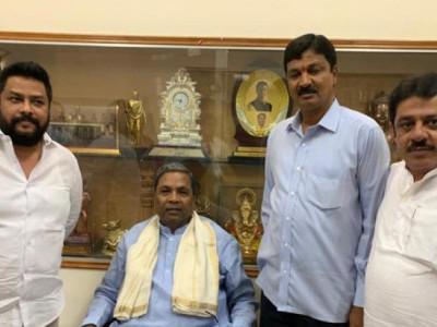 Dissenting Karnataka Congress MLAs meet Siddaramaiah