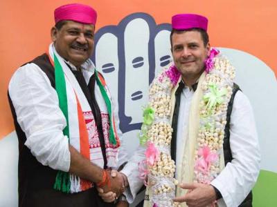 کیرتی آزاد کی ''گھرواپسی ''،راہل گاندھی کی موجودگی میں کانگریس میں شامل
