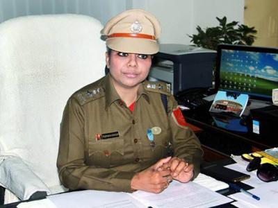 سپریم کورٹ نے سابق آئی پی ایس افسر بھارتی گھوش کو تمام معاملات میں گرفتاری سے راحت دی سماعت3ہفتے کے لیے ملتوی