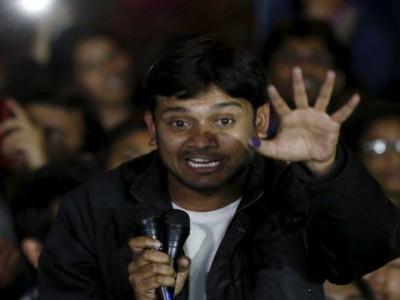 دہلی اسمبلی: جے این یو غداری معاملے کو لے کر ہنگامہ کر رہے بی جے پی ممبران اسمبلی کو باہر نکالا گیا
