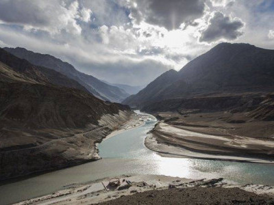 'Not concerned if India stops flow of water': Pakistan
