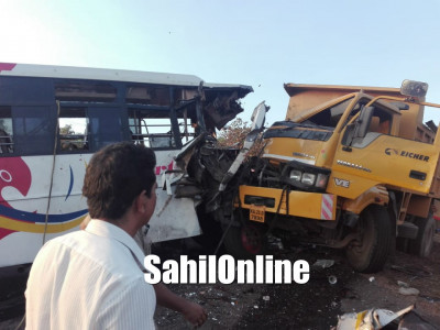 1 killed, 21 hurt in Bus-Truck collision near Udupi