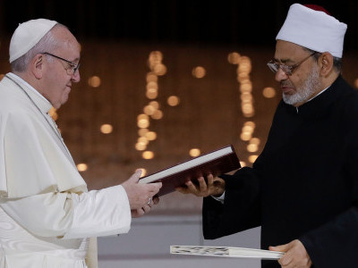 Pope Francis and top Muslim cleric in joint call for freedom of belief