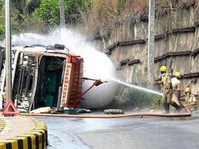 LPG tanker overturns near Mangaluru