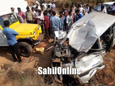 پُتور میں پیک آپ کار کی اومنی سے خطرناک ٹکر؛ ایک کی موت، دو شدید زخمی