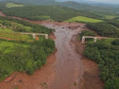 برازیل ڈیم حادثہ: تاحال 34 ہلاکتوں کی تصدیق، 250 افراد کی تلاش کا کام جاری