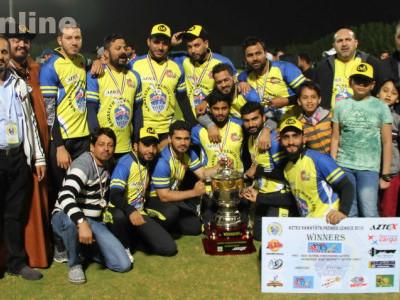 دبئی کے قریب عجمان میں منعقدہ نوائط پریمیر لیگ کرکٹ ٹورنامنٹ میں ڈی وی ایس یونائٹیڈ کی شاندار جیت؛ الکریمی چیلنجرس کو فائنل میں شکست