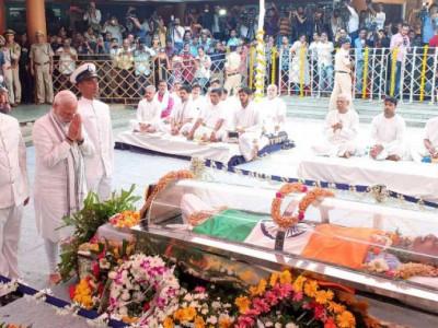 وزیراعظم نریندر مودی نے منوہر پاریکر کو دی آخری الوداعی