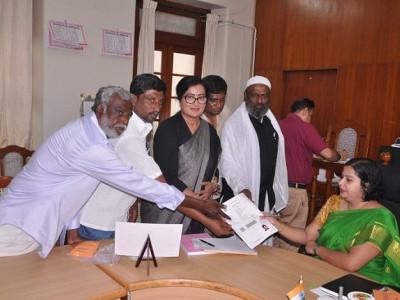 Sumalatha Ambareesh files nomination from Mandya LS seat