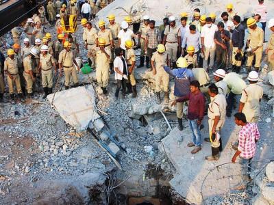 دھارواڑ میں عمارت گرنے کے واقعہ میں مرنے والوں کی تعداد ہوئی 10، امدادی کام جاری