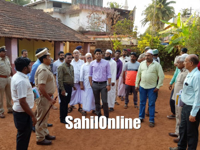 LS Poll preparations: DC, SP visit polling booths, strong room in Bhatkal
