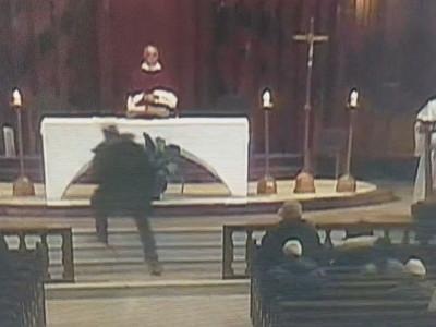 کینیڈا: چرچ میں دعائیہ تقریب کے دوران پادری پر چاقو سے حملہ