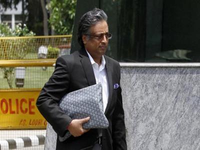 عدالت نے منی لانڈرنگ کیس میں گوتم کھیتان اور تین دیگر کو طلب کیا