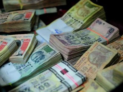 Mangaluru police seizes unauthorized cash from a KSRTC bus