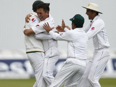 England set 277 to win first Test as Pakistan add late runs
