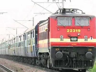ساحلی پٹی کے عوام کو سہولت دینے والی نئی ٹرین کو افسران کی طرف سے ریڈ سگنل :نئی ٹرین بہت جلد پٹری پر دوڑے گی ؛وزیر ریلوے سریش انگڑی