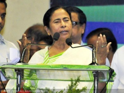 Teachers should take classes, not agitate: Mamata