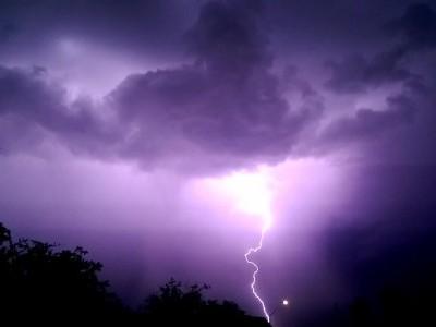 بہار میں آسمانی بجلی گرنے سے 25 لوگوں کی موت