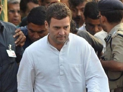 It's official! Rahul to step down as Congress chief, says party will decide his successor