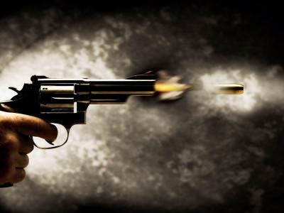 دہلی میں سب انسپکٹر پر گرل فرینڈ کو گولی مارنے کا الزام، متاثرہ خاتون اسپتال میں داخل