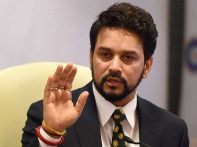 Anurag Thakur raises controversial slogan at poll rally