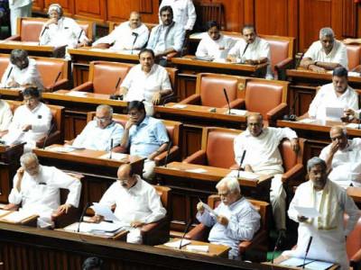 کرناٹک: ریاست کی 6 لاکھ ہیکڑ فوریسٹ زمین غریبوں میں تقسیم کی جائے گی : ودھان سبھا اجلاس میں ریاستی وزیر آر اشوک کا بیان؛ لیکن کیا حقیقت میں ایسا کرنا ممکن ہے ؟