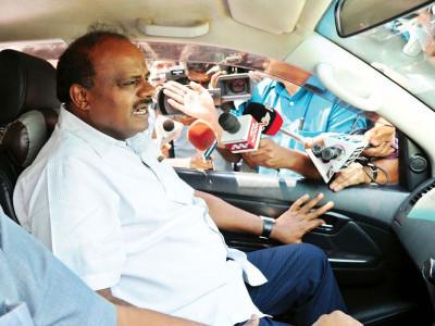 کرناٹک کے وزیراعلیٰ کمار سوامی کا  آخری لمحوں میں دورہ دہلی منسوخ؛ ریاست میں نئی سیاسی صف بندیوں کے اشاروں کو ہوا