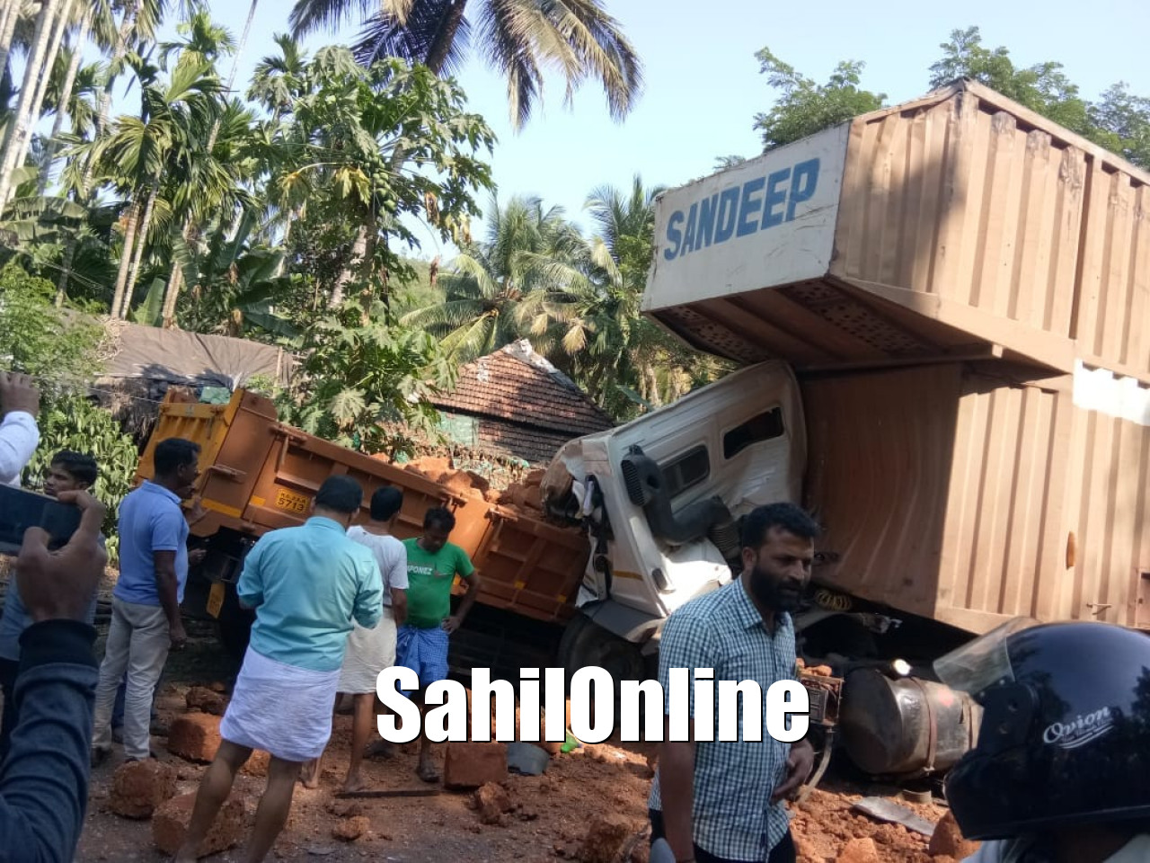 Bhatkal: Serial accident at NH 66 kills two on the spot, 8 others