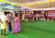 ಲೋಕ ಸಮರ: ಮಂಡ್ಯದಲ್ಲಿ ಅತಿ ಹೆಚ್ಚು ಮತದಾನ, ಬೆಂಗಳೂರು ಕೇಂದ್ರದಲ್ಲಿ ಅತ್ಯಂತ ಕಡಿಮೆ ವೋಟಿಂಗ್